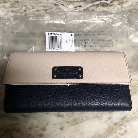 kate spade Handbags - KATE SPADE TRI FOLD WALLET NAVY& CREAM BAY STREET